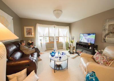Livingroom-Woman-Sitting-20398-MED