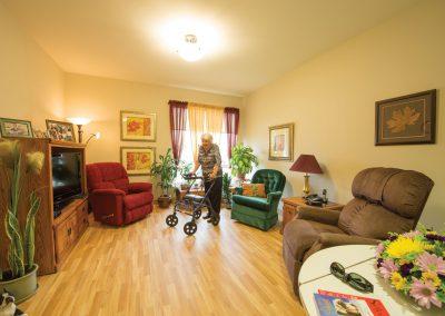 Livingroom-Woman-Standing-20480-MED